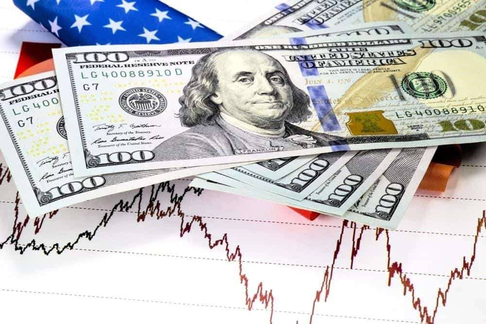 Курс доллара и евро в конце года