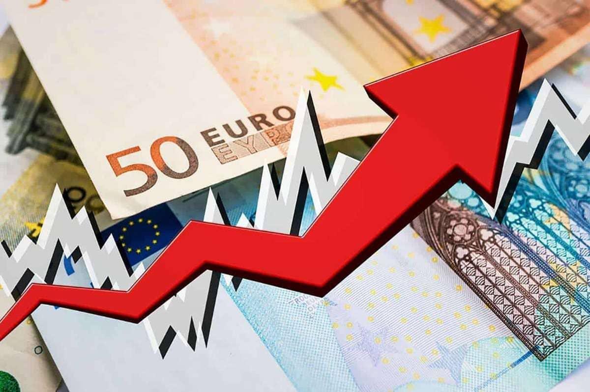 Как поведет себя рубль после того, как ключевая ставка обвалится