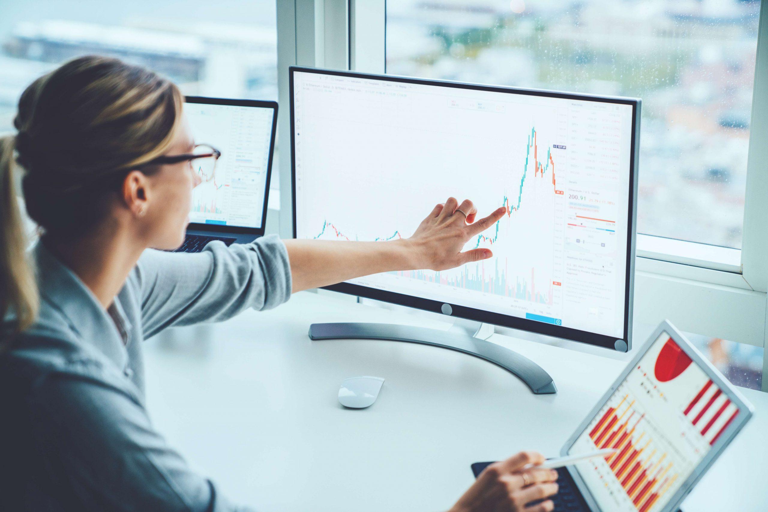 О том, что представляет собой процесс листинга на биржах